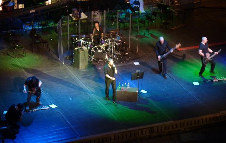Грегъри Макинтош (соло китара), Ник Холмс (вокали), Едриън Ерландсън (барабани), Стив Едмъндсън (бас китара) и Арън Еди (ритъм китара)