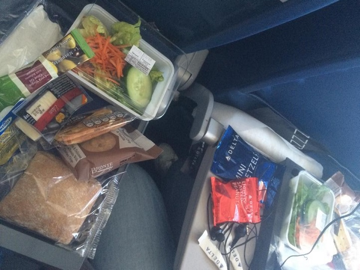 Wat_Greta_Stefanova_airplane_food