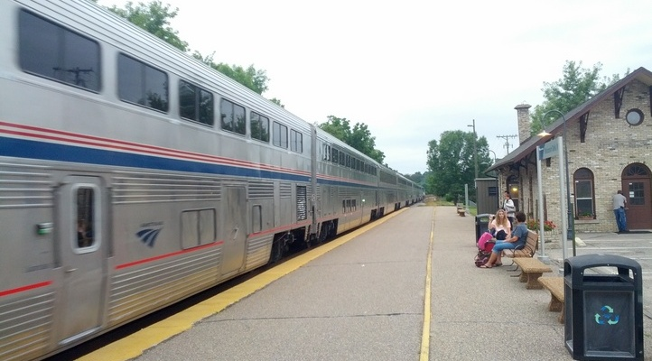 get-to-wisconsin-dells-by-train